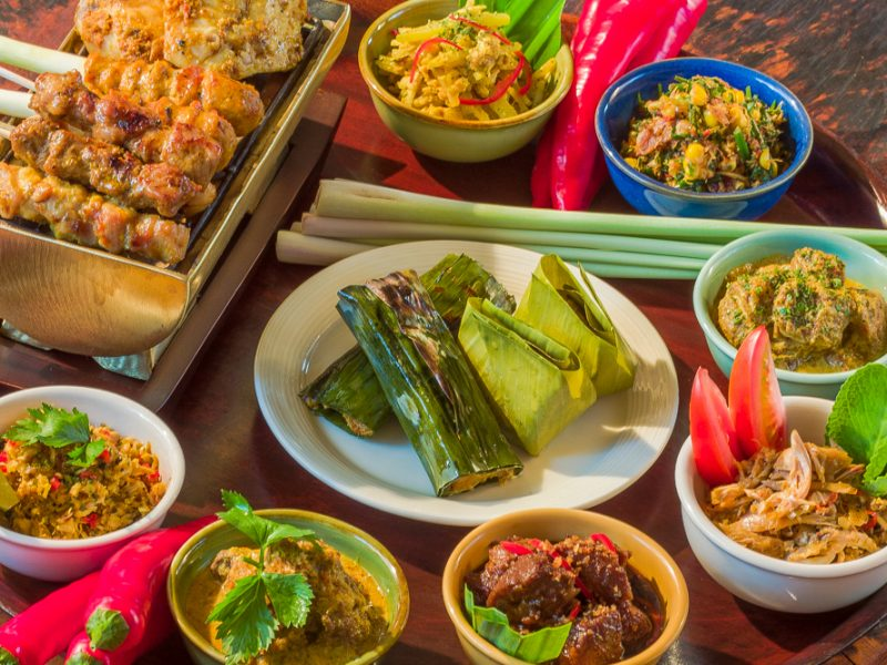 Heerlijk eten bij Bumbu Bali, Benoa, Bali, Indonesië (foto: balifoods.com)