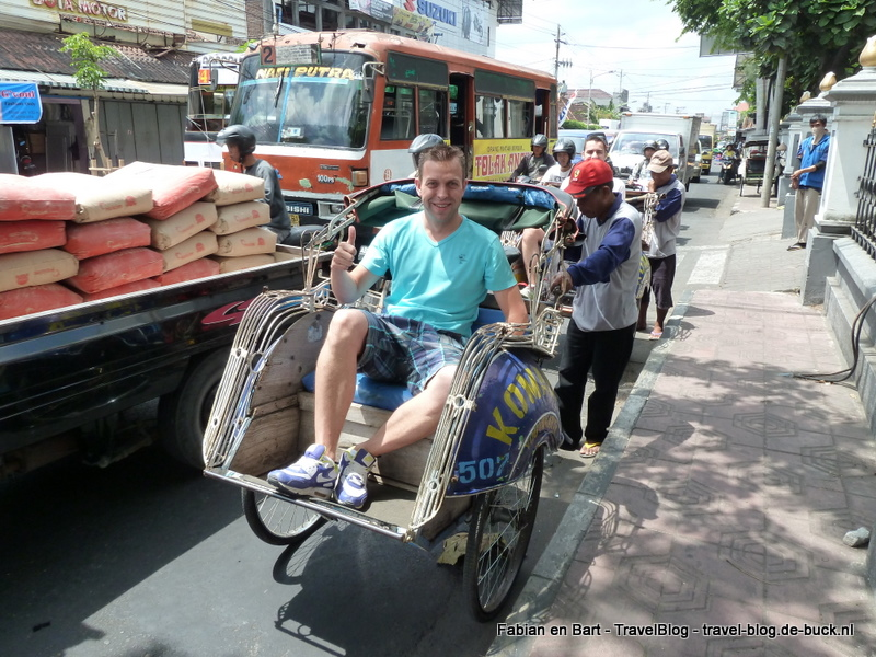 Met de becak in Yogjakarta, Java, Indonesië